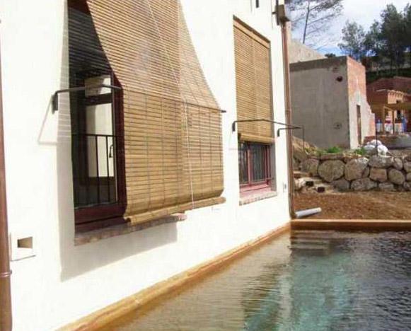 Espais i confort casas bioclim ticas - Persianas madera enrollables ...